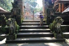 Balinesetempel im heiligen Affe-Wald Ubud auf Bali Lizenzfreie Stockfotografie