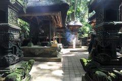 Balinesetempel im heiligen Affe-Wald Ubud auf Bali Lizenzfreies Stockfoto