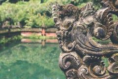 Balinesetempel på norden av ön Tropisk hinduisk ö av Bali, Indonesien askfat royaltyfri foto