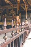 Balinesetempel på norden av ön Tropisk hinduisk ö av Bali, Indonesien askfat royaltyfria bilder