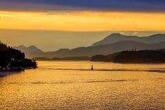 Balise dans la voie d'eau d'Alaska Images libres de droits