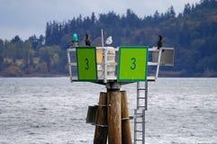 Balise de jour sur l'union de lac Images libres de droits