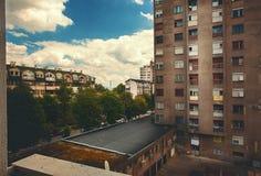 Balkan-Stadt heutzutage stockbild