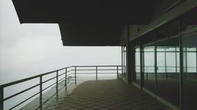 Balkon aan nergens stock foto