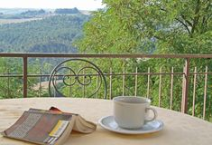 Balkon dat Toscanië overziet Stock Fotografie