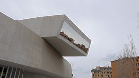 balkon MAXXI Schöne alte Fenster in Rom (Italien) stock video footage