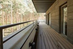 Balkon met bosmening royalty-vrije stock foto's