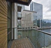 Balkon mit Stadt- und Dockansicht Lizenzfreie Stockfotografie