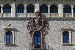 Balkon und Fenster Lizenzfreies Stockfoto