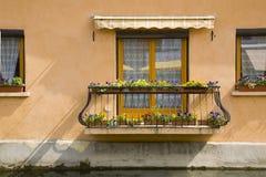 Balkon van een huis Stock Foto's