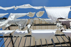 Balkon-Wäscherei-Hängen Stockbilder