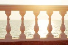 Balkonansicht über das Meer Stockfotografie