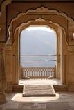 Balkong arkitektonisk detalj av Amber Fort i Jaipur royaltyfri foto