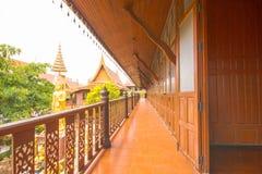 Balkong av det thailändska huset Arkivbilder