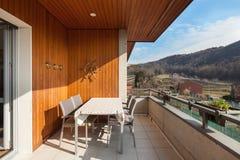 Balkong av en lägenhet Arkivfoton
