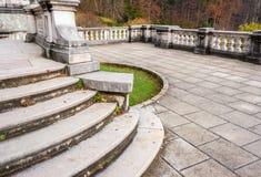 Balkong för dekorativ trädgård för Peles slott, Sinaia, Rumänien Landmar Fotografering för Bildbyråer