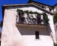 Balkong i Montefalco Arkivbild