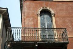 balkong italy verona Royaltyfria Bilder