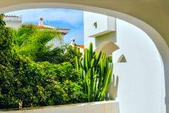 Balkong med gräsplaner Royaltyfria Bilder