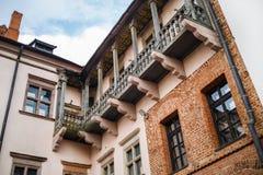 Balkong och fönster Arkivbild