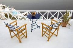 balkong som förbiser vatten fotografering för bildbyråer