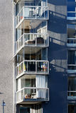 Balkong von schönen modernen Wohnungen in Schweden Stockbild