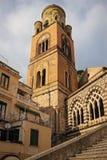 balkongdörrpoggioreale fördärvar Sts Andrew domkyrka Amalfi italy arkivfoto