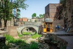Balkonger Abanotubani i Tbilisi, Georgia Arkivbilder