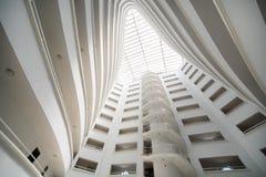 Balkonger inom mitt Marine Residence hotell Royaltyfri Foto