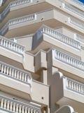 Balkonger med vitbalustrader Royaltyfri Bild