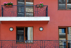 Balkonger och Windows Arkivfoto