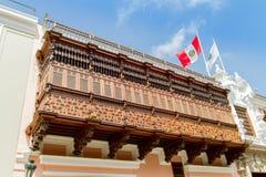 Balkonger på det historiskt centrerar av Lima arkivbilder