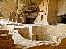 Balkonghuset fördärvar på Mesa Verde Arkivbild
