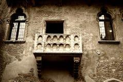 balkongjuliet romeo s arkivbild