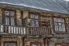 Balkonowy stary drewniany dom Obrazy Stock