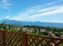 Balkonowy widok na jeziornym Gardzie Zdjęcie Royalty Free