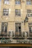 Balkons bij voorzijde van flatblok Stock Fotografie