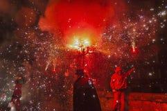 ball在Correfoc的de Diables在El Vendrell 免版税库存照片