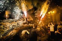 Ball de Diables en Correfoc en Barcelona Imagen de archivo
