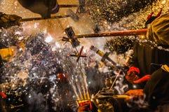Ball de Diables sur Correfoc à Barcelone Image stock