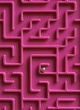 Ball in der Mitte des Labyrinths stockbild