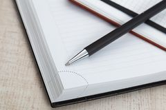 Ball pen and office pad Royalty Free Stock Photography