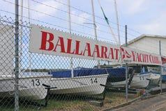 Ballaarat游艇俱乐部(1877)有连续的历史(虽然影响在天旱之前)在湖Wendouree 库存照片