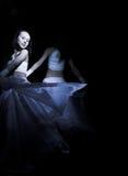 Ballando nel semidarkness Fotografie Stock Libere da Diritti