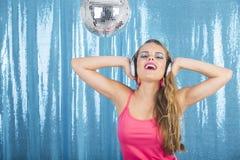 Ballando nella discoteca Immagini Stock Libere da Diritti
