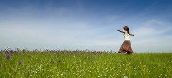 Ballando sulla natura Fotografia Stock Libera da Diritti