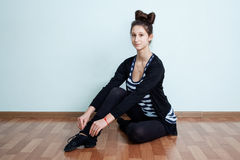 ballard Портрет девочка-подростка с sitti hairdo узла смычка Стоковая Фотография RF