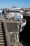 Ballard Lock Gate Opens For-Argosy-Kreuzschiff Lizenzfreies Stockfoto