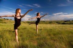 Ballare delle ballerine fotografia stock