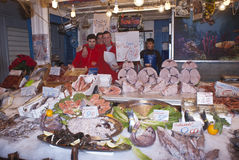Ballaro, ψάρια πώλησης του Παλέρμου Στοκ Εικόνες